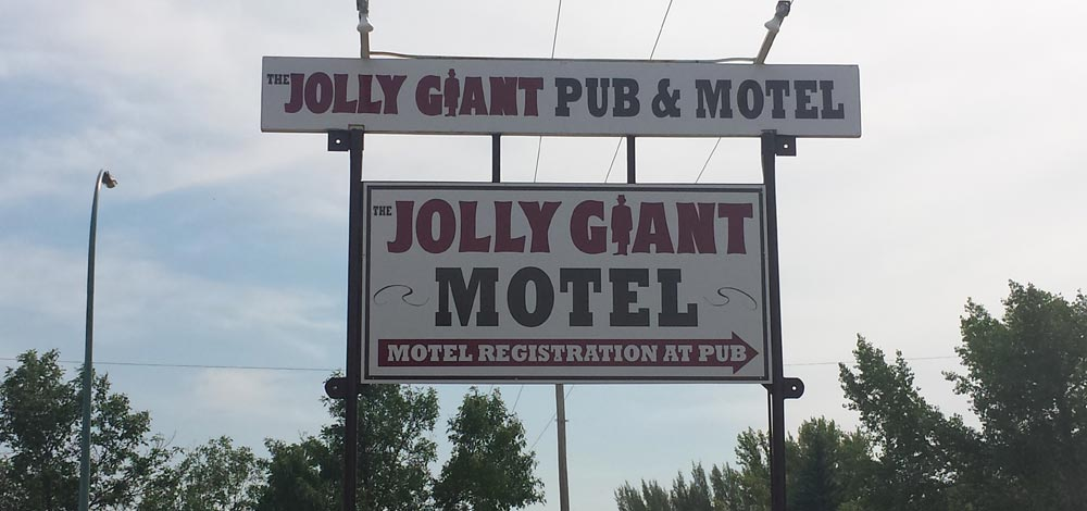 Jolly Giant Pub & Motel